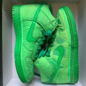 Nike x Nylon mag dunks 2009